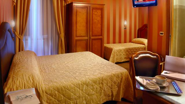 Hotel-Forte-Roma-rooms-53