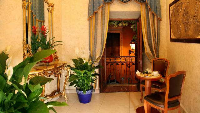 Hotel-Forte-Roma-rooms-56