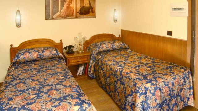 Hotel-Forte-Roma-rooms-58